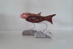 2019 geluksvisjes op stander met Haiku: Vissen spatten zacht, In een spiegel van water, Rimpels van geluk            € 30, opbrengst voor het KWF